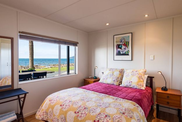Phoenix Red 2 bedroom self-contained accommodation Golden Sand